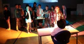 Lyt med her: Et helt lille musical-hit skrevet af sangskriver-elever og indspillet af professionelle musikere